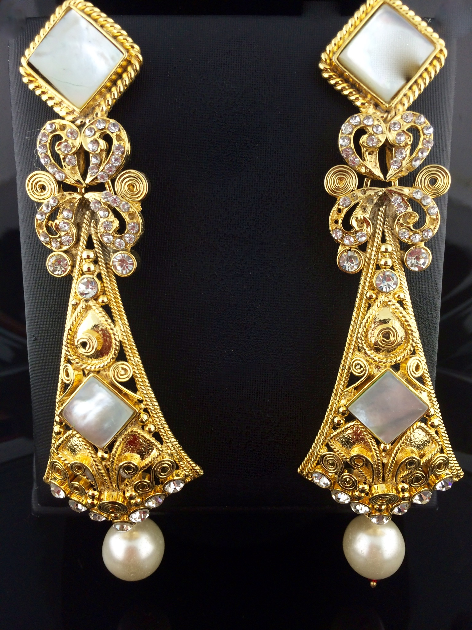 online for rockcrystal e karat plated buy rock designer women earrings gold crystal kiara