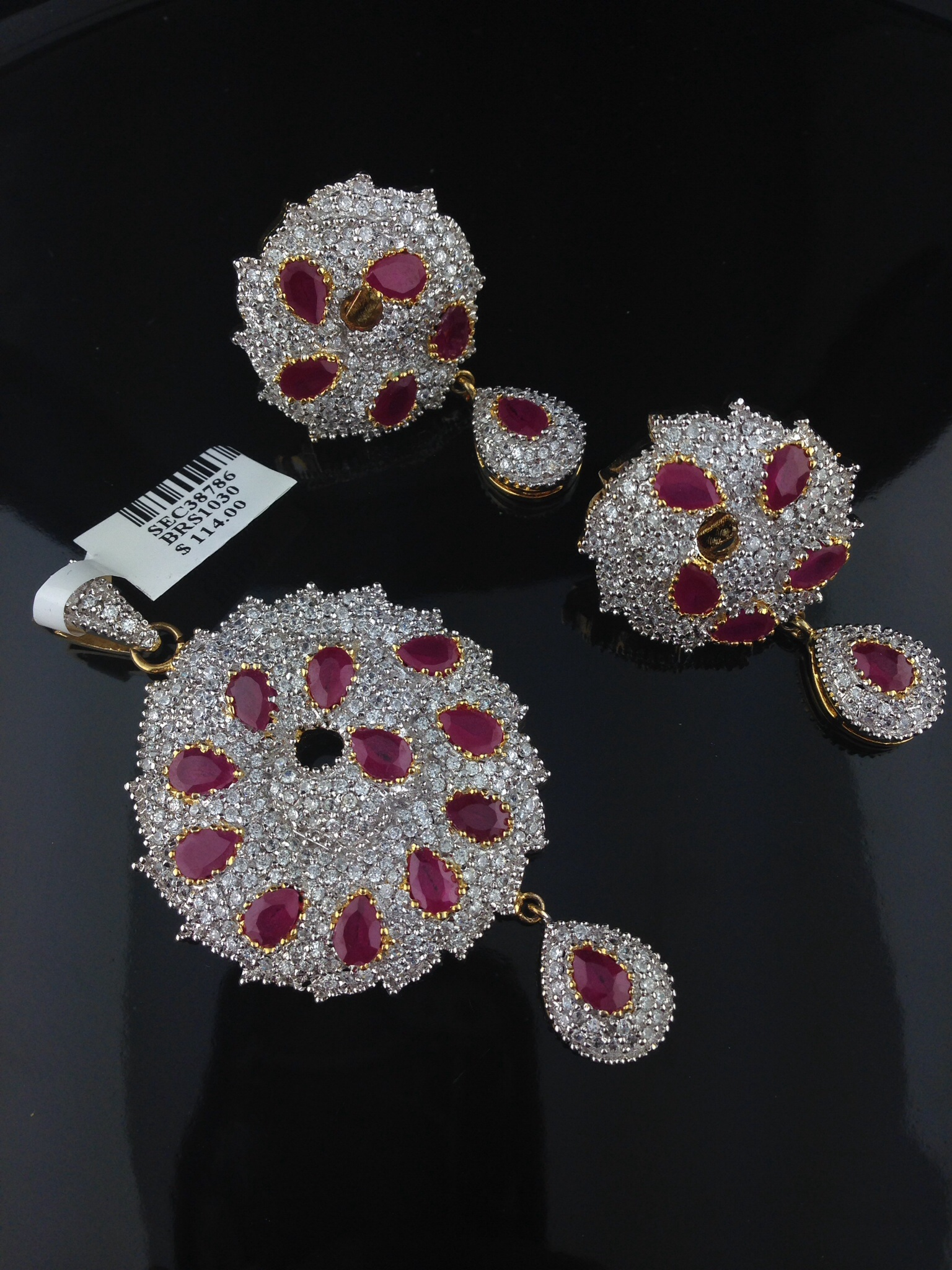 Indian american diamond pendant set with rubies indian kundan indian american diamond pendant set with rubies style no pen13 price 7500 aloadofball Image collections